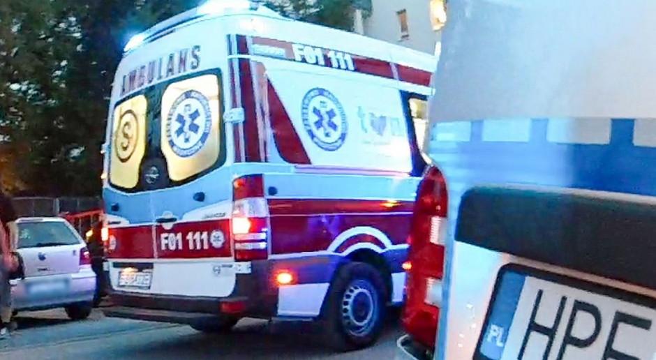 Policyjny radiowóz zderzył się z ciągnikiem, nie żyje pracownik komendy