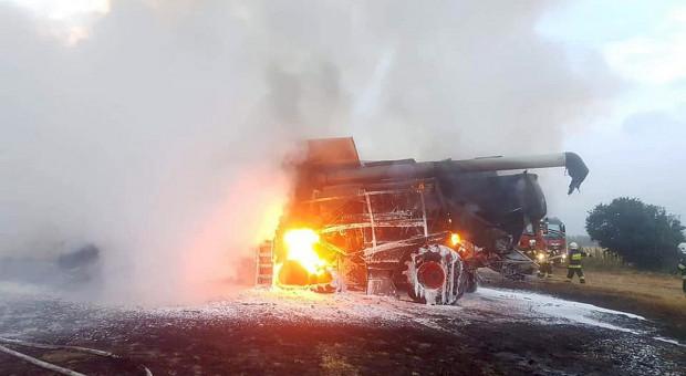 Przy autostradzie A4 na Dolnym Śląsku palił się kombajn