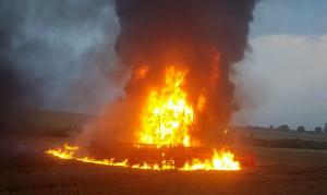 Słup ognia i gesty dym widać było z daleka, szczególnie z autostrady A4
