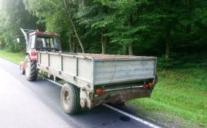 Traktorzysta ani jego pojazdy w wypadku nie odniosły szwanku