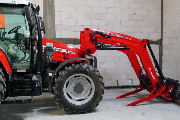 Stworzony do pracy z ładowaczem – test długodystansowy Massey Ferguson 5710 S – cz. 4