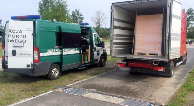 Ciężarówka z nadmiarem kapusty. Ładowność sześciokrotnie przekroczona