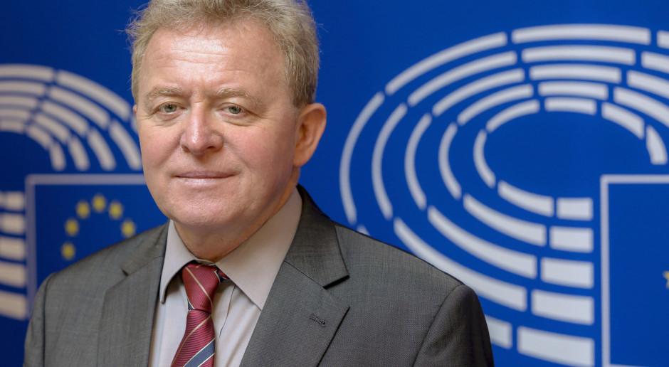 OLAF: Raport z dochodzenia ws. Wojciechowskiego ma charakter poufny