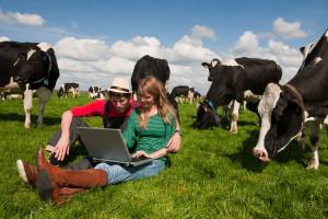 Branża mleczarska potrzebuje młodych rolników