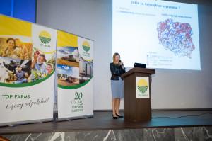 Prof. Monika Stanny bardzo ciekawie opowiadała o procesie dezagraryzacji polskiej wsi.