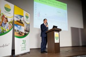 O poziomie dochodowości polskich gospodarstw na tle UE opowiadał prof. Walenty Poczta z UP w Poznaniu.