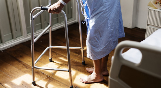 Opieka paliatywna na wsi dwa razy gorsza, niż w mieście