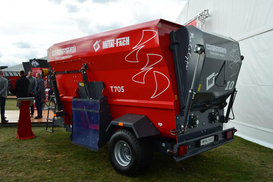 Wóz paszowy T705 z dwoma poziomymi świdrami, fot. ArT