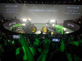 Tak wyglądają najnowsze ciągniki John Deere 7R, 8R i 8RT, fot. mat. prasowe