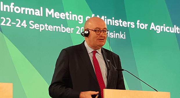 Ruszyły spekulacje na temat następcy Hogana w roli komisarza UE