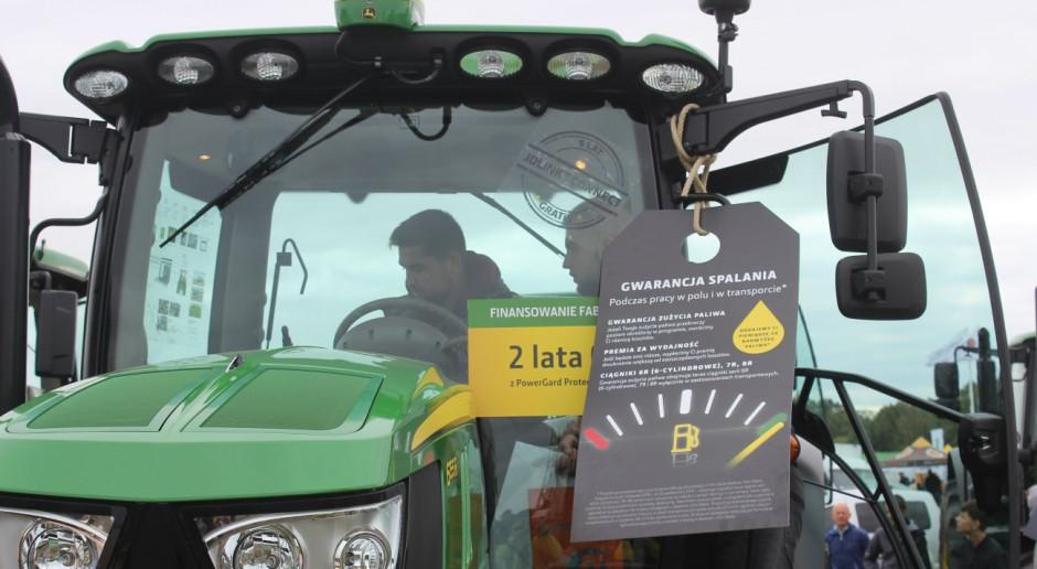 Kupić taniej, czyli aktualne promocje na maszyny rolnicze