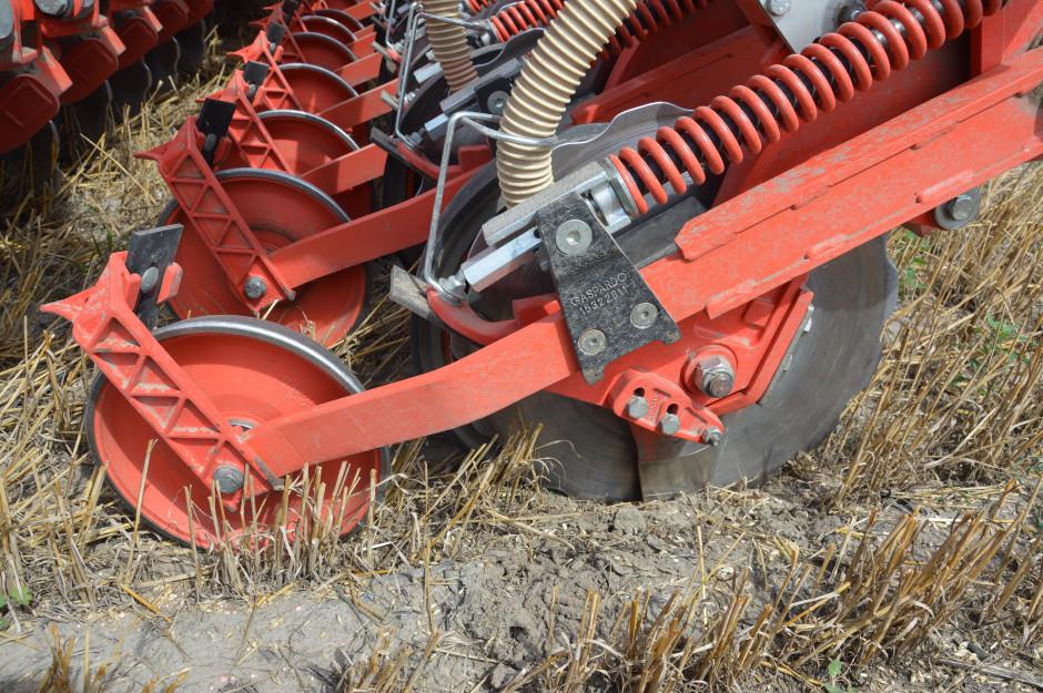 Od trzech sezonów w gospodarstwie jest stosowany siew bezpośredni.