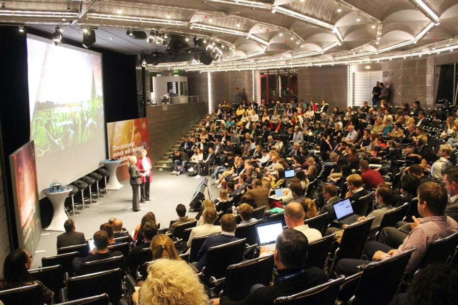 Zdaniem większości uczestników debat, jak i słuchaczy ochrona roślin i biotechnologia mają duże znaczenie w przypadku tworzenia zrównoważonego rolnictwa przyszłości Fot. A.Kobus