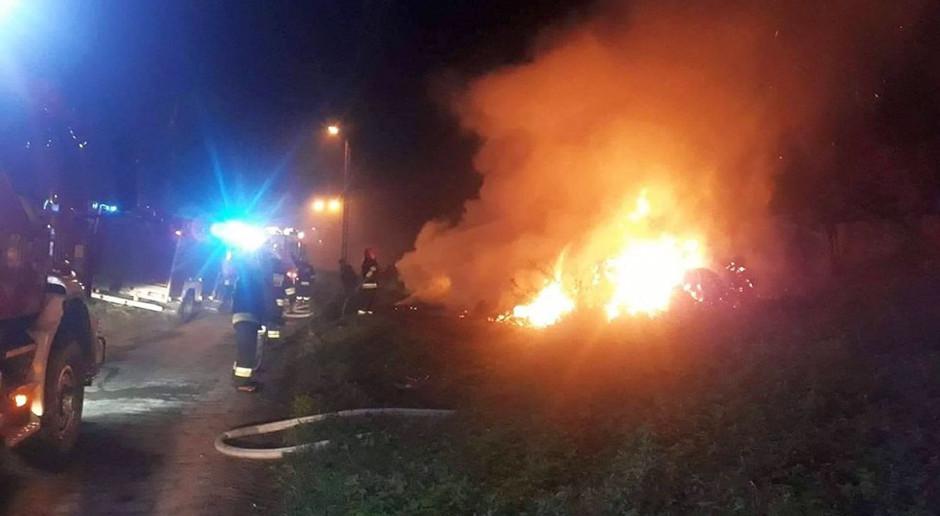 Pożar balotów słomy na Mazowszu