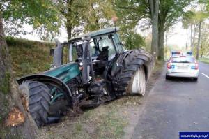 Traktorzysta był trzeźwy, ale wyczerpany pracą, zdjęcia: Policja
