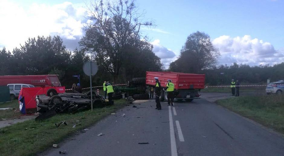 Śmiertelny wypadek - traktor zderzył się z mercedesem