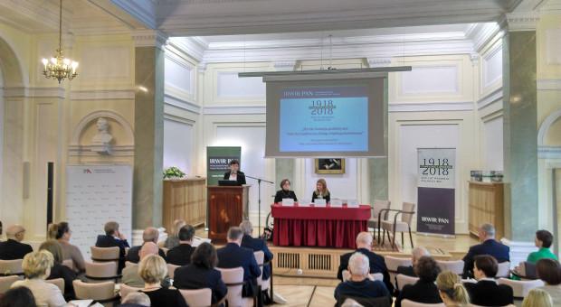 """""""Interdyscyplinarny dialog międzypokoleniowy"""" o polskiej wsi w PAN"""