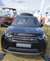 Land Rover Discovery od lat pozostaje synonimem luksusu i dobrych właściwości terenowych.