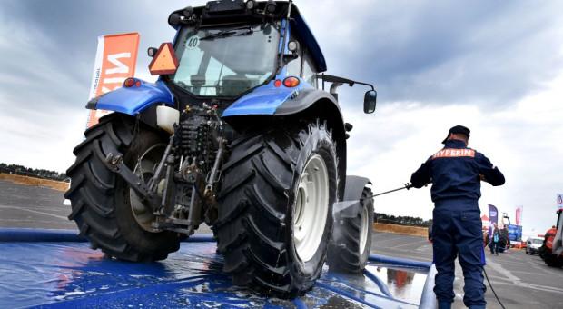 Jak prawidłowo myć maszyny rolnicze?