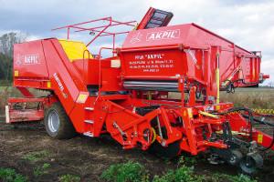 Akpil Kartofel to obecnie największy kombajn do zbioru ziemniaków produkowany w Polsce. Jego zbiornik może zmieścić maksymalnie 5 t surowca