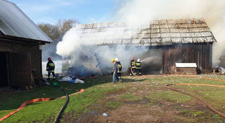 Płonęły stodoły, garaż i słoma