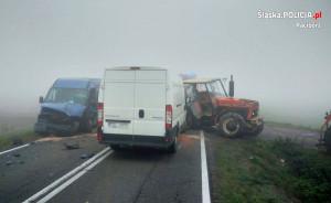Do zderzenia pojazdów doszło w gęstej mgle, Fot. Policja