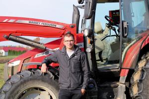 Maciek Florczuk, jeden z operatorów testowanego ciągnika