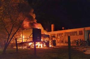Pożar wybuchł o 4 rano w kółku rolniczym, Foto: OSP Wyrzysk