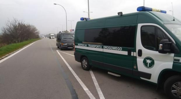 Inspektorzy transportu zatrzymali samochód z mięsem