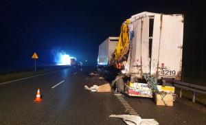 Do wypadku doszło przed wschodem słońca na trasie S7 pod Kielcami