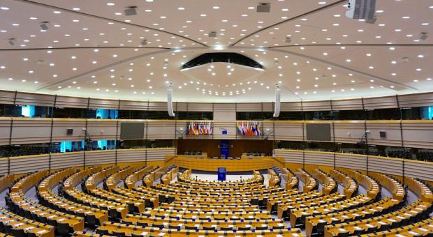 Komisja Środowiska PE sprzeciwia się odmianom genetycznie zmodyfikowanym