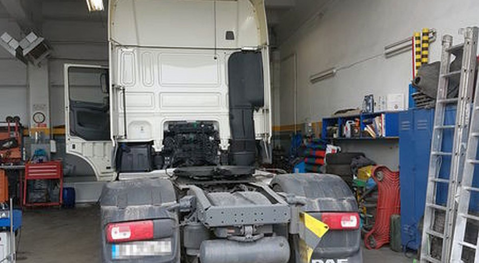 Zatrzymana ciężarówka z nawozami