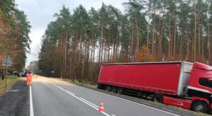 Karambol z transportem kukurydzy, ciężko ranny jeden z kierowców