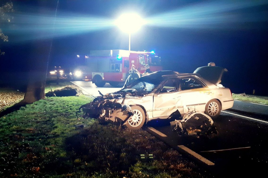 Wypadek zdarzył się na drodze krajowej 29 koło Uradu,  zdjęcia: Ochotnicza Straż Pożarna w Cybince