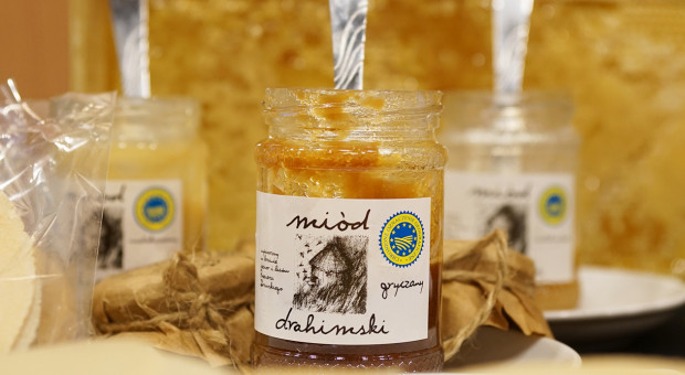 Unijni pszczelarze domagają się obowiązkowego etykietowanie miodu