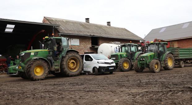 3 ciągniki z podniesioną mocą w jednym gospodarstwie