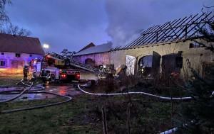 Z pożoga walczyło pięć strażackich zastępów z gminy i powiatu, OSP Węgry