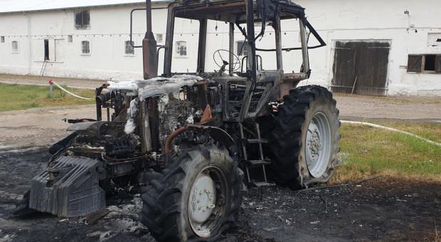 Spłonął budynek gospodarczy, a w nim ciągnik i warsztat