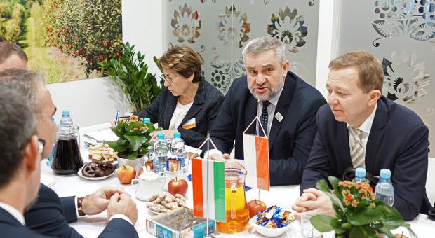 Ardanowski w Berlinie: nie można utrzymywać różnic w dopłatach dla rolników
