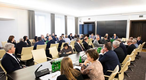 Ardanowski: senatorowie totalnej opozycji głosowali przeciwko polskim rolnikom ws. ASF