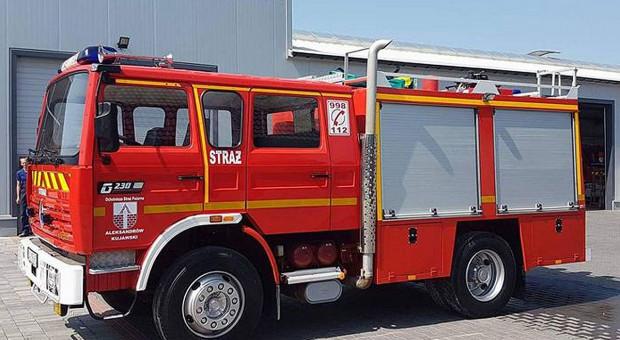 Strażacy bez wozów gaśniczych przez drogie certyfikaty