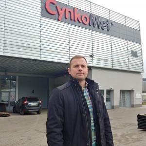 Mariusz Dąbrowski, prezes Cynkometu, przed oddanym do użytku w 2018 r. Centrum Badawczo-Rozwojowym