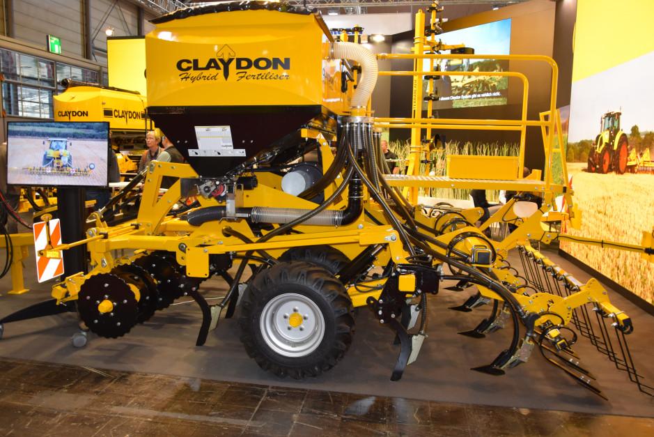 Claydon Drill to sztandarowy produkt firmy Claydon, umożliwia uprawę i siew w jednym przejeździe roboczym.