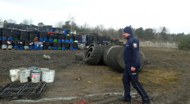 Nielegalne składowisko odpadów pod Bełchatowem