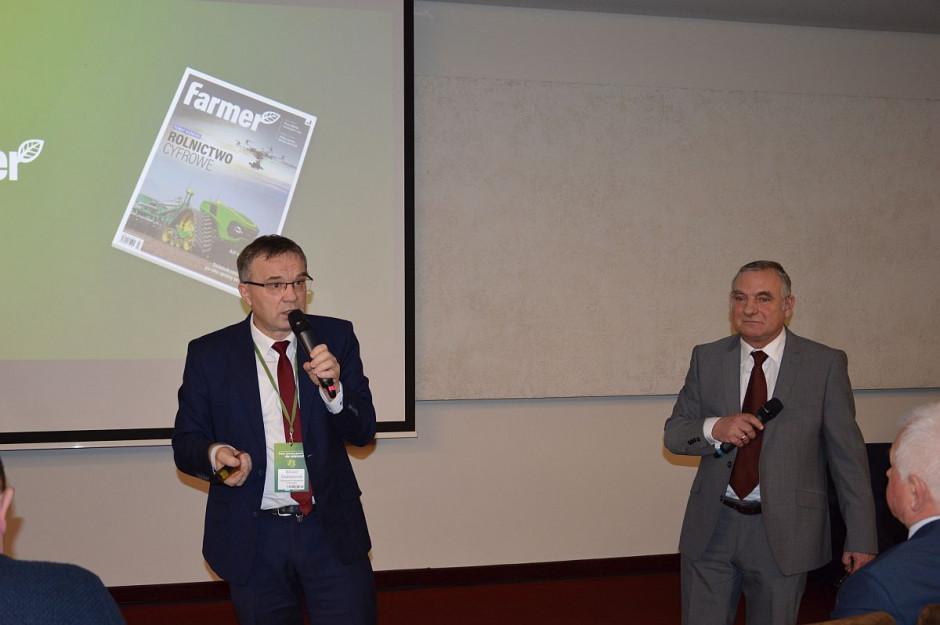 """dr hab. W. Szczepaniak i W. Konieczny (farmer) na konferencji Farmera """"Przez innowacyjność do sukcesu"""" w Opalenicy ; Fot. Katarzyna Szulc"""