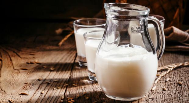 Niemcy: Mleko ekologiczne - mniej pieniędzy dla producentów