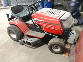 Kosiarka traktorowa MTD Yard Machines H/130 wyprodukowana w 2000 r. - cena 1,5 tys. zł