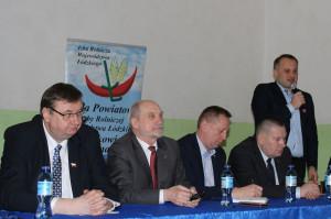Rolników w postulatach wspierał starosta powiatu Piotr Wojtysiak
