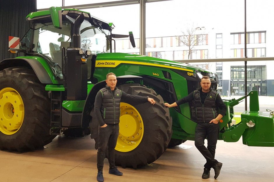 W ramach nagrody w konkursie, Pan Krzysztof Lutostański mógł z bliska zobaczyć, jak przebiega proces produkcji maszyn John Deere w fabryce w Mannheim, fot. mat. prasowe