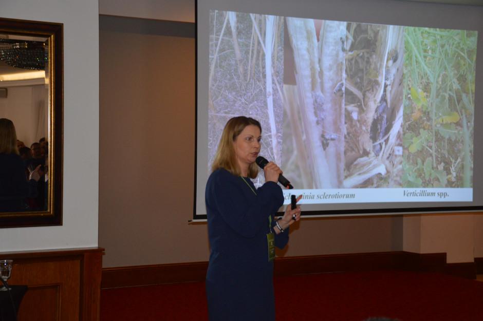 Dr hab. Marta Damszel przekazała rolnikom dużo praktycznych uwag dotyczących ochrony roślin.